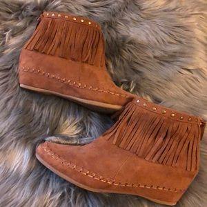Arizona Brand Fringed booties